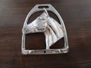 HORSE_HEAD_SHOE