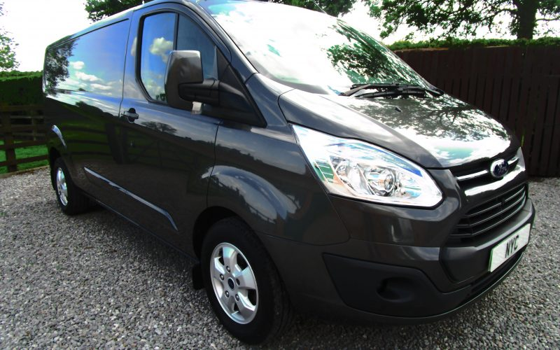 Ford Transit Custom 290 Limited LWB Van in Magnetic Met 155ps