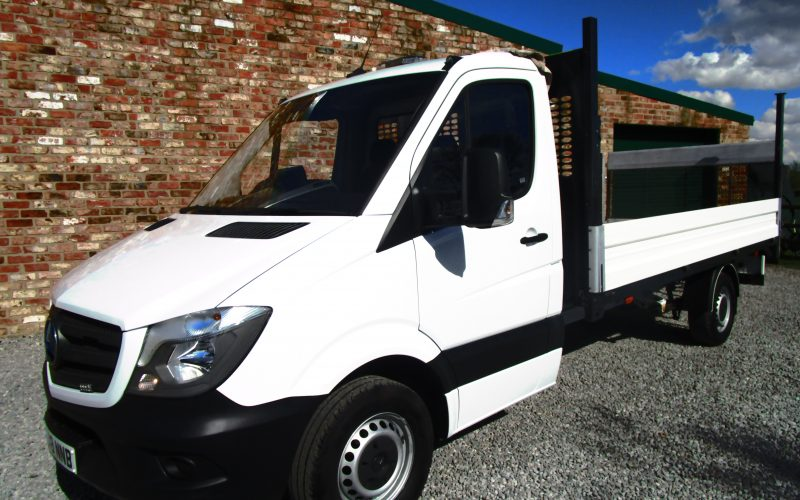 Mercedes Sprinter 314 CDi 2018 White Dropside Truck with 500kg Tail Lift