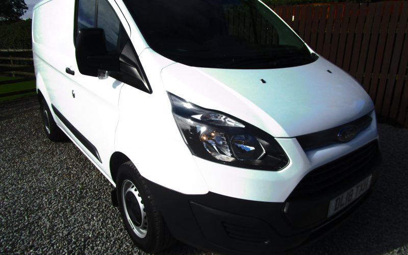 Ford Transit 290 Custom Van Euro 6 in White – LOW MILEAGE